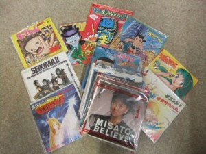 新宿区下落合にて、70年代アニメのレコード、漢方薬学医学書、中国(満州)切手・初日カバー、ネクタイピン、古銭銀貨をお譲りいただきました